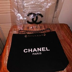 🔥🔥Authentic Chanel VIP GIFT BAG
